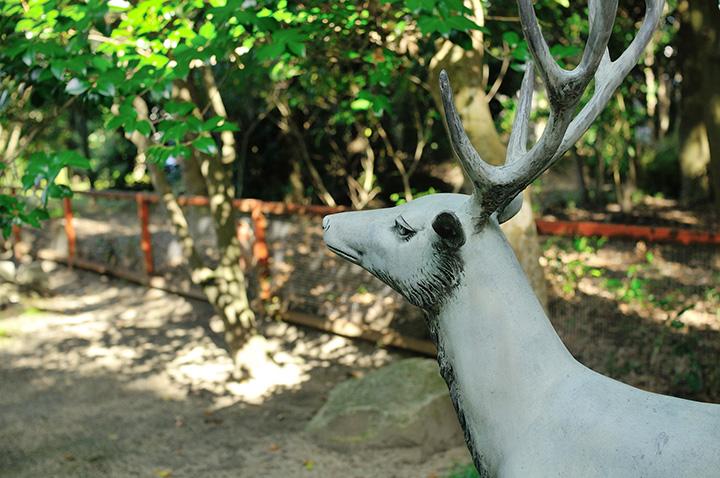春日神社、鹿の像