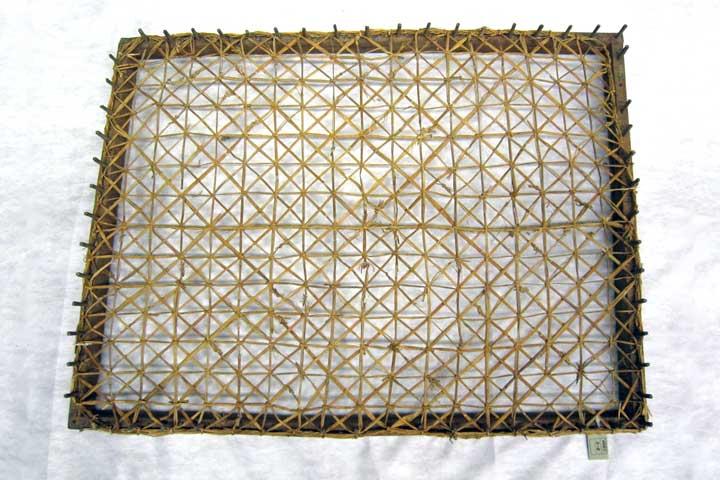 編み機で藺網を編んだ状態